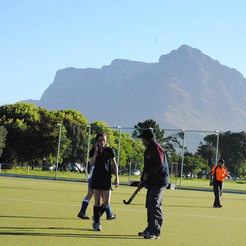 hockey matches beneath table mountain